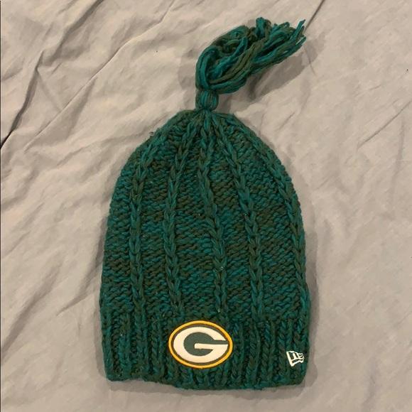 NFL Accessories - Women's NFL Green Bay Packer Beanie Hat